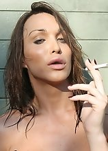 Gorgeous TS Jonelle having a smoke